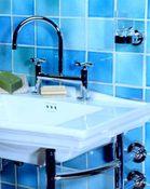 Salle de bains déclinaison de bleus - Carrelage et Pierre de Lave émaillée - Cuisine et Salle de Bains - Salernes en Provence