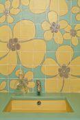 Отделка ванной в стиле поп-арт - Плитка и глазурованная лава - Кухня и ванная - Салерн-ан-Прованс